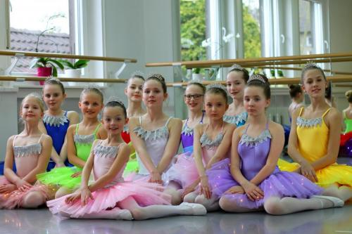 Die zwölf tanzenden Prinzessinen FG 2+ 33+